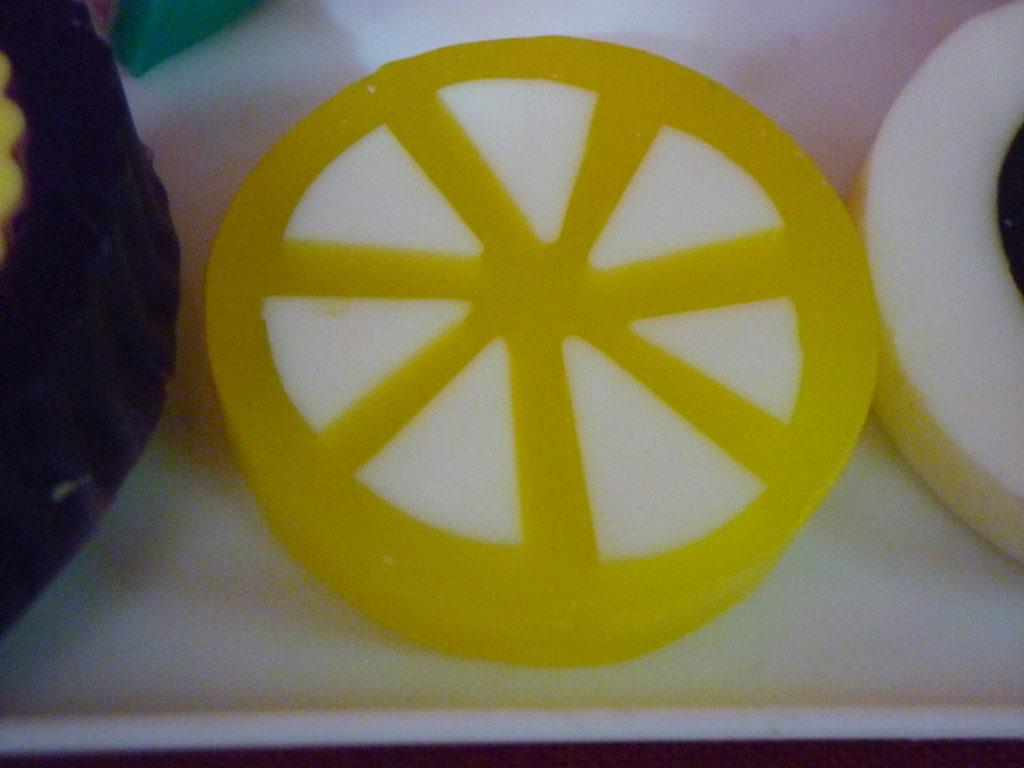 lemon soap by csdo